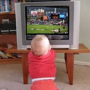 Child watching IPL