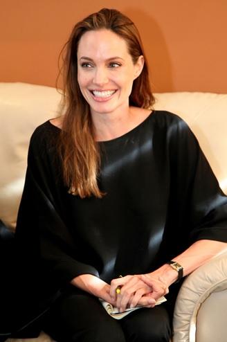 Angelina Jolie - Cartier
