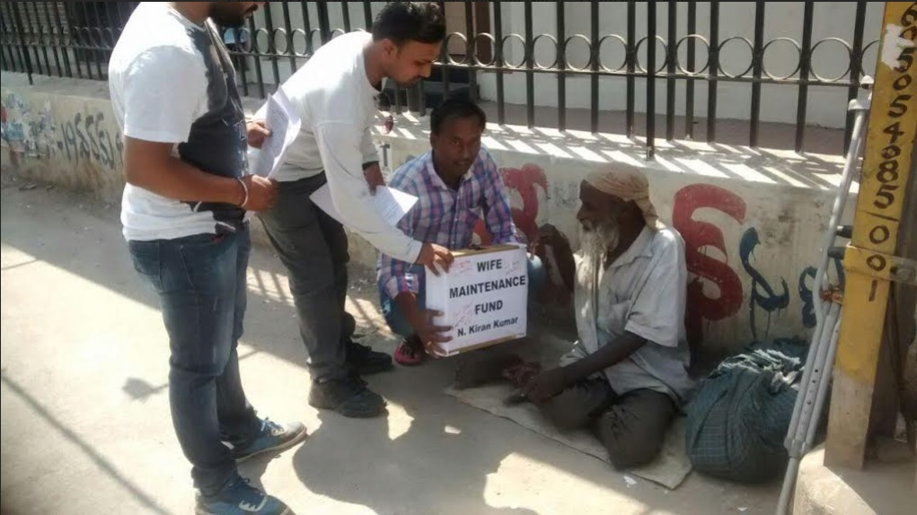 Men begging for alimony in Hyd streets