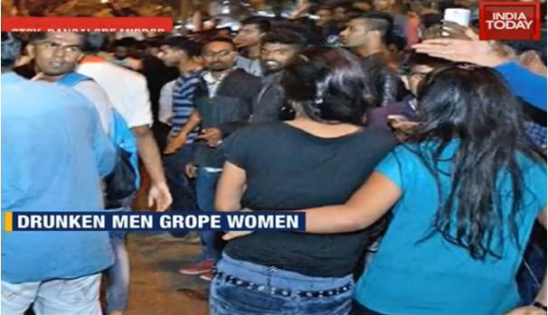 drunken-men-grope-women - Bangalore Mass Molestation2