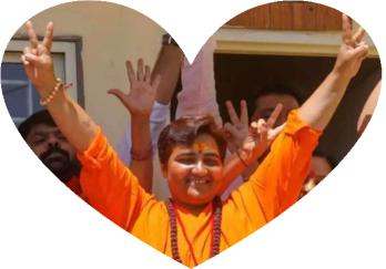 swadhwi-pragya-victory-sign