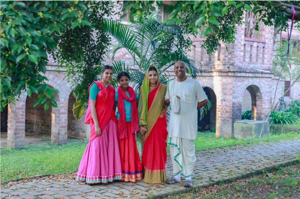 indira-meshram-family